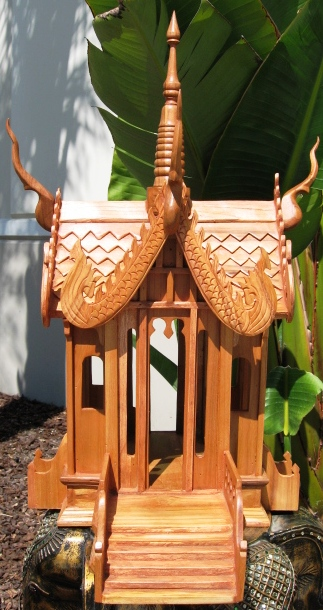 Thai Spirit House Long Step Natural