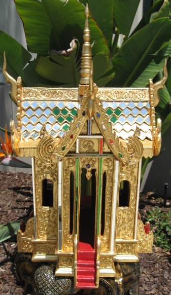 Thai Spirit House Long Step Gold